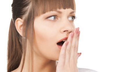 Scopri le 5 cause dell'alito cattivo!
