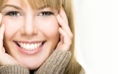 Effetto smile con le mascherine trasparenti? Un sorriso luminoso ringiovanisce di 10 anni. Per questo vale la pena investirci!