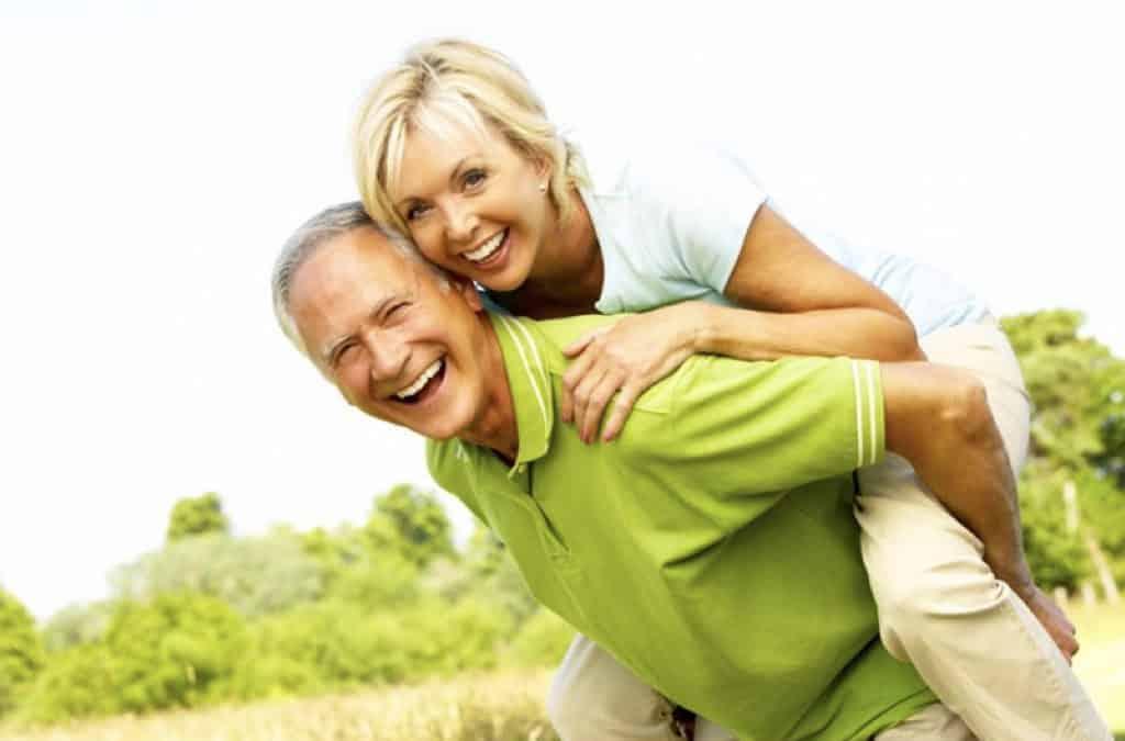 Problemi gengivali e legami con prostata e menopausa